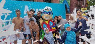 Amanzi Waterpark Hadirkan Hujan Salju Buatan